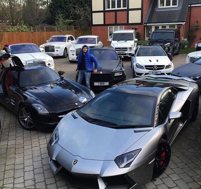 Baños Arabes Londres:jets privados, coches deportivos de oro Los niños ricos de Londres