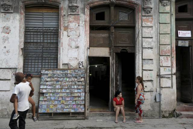 another_batch_of_photos_from_depicting_everyday_life_in_cuba_640_31