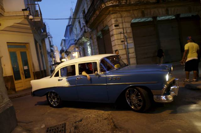 another_batch_of_photos_from_depicting_everyday_life_in_cuba_640_38
