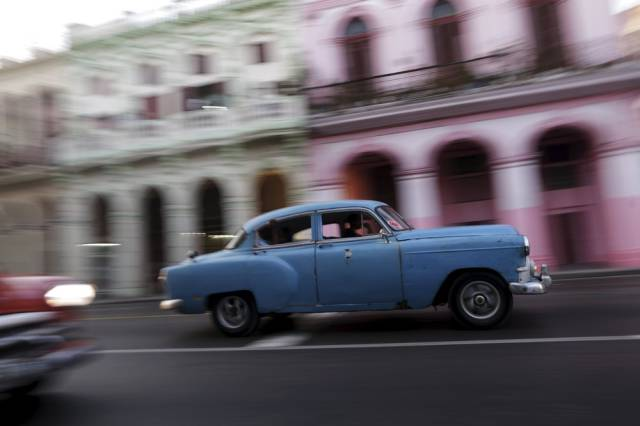 another_batch_of_photos_from_depicting_everyday_life_in_cuba_640_47