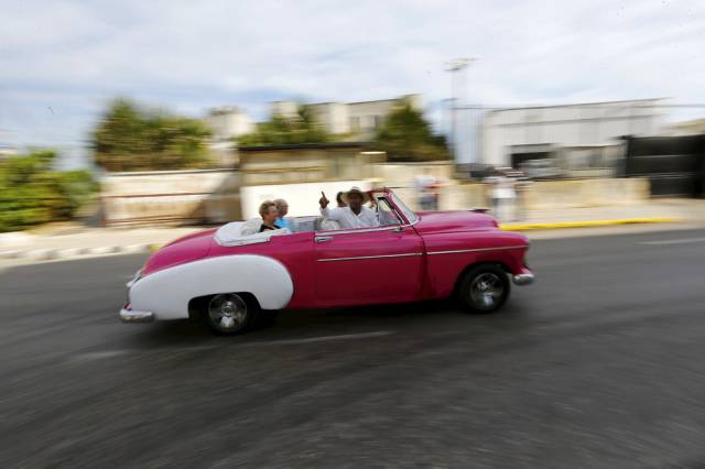 another_batch_of_photos_from_depicting_everyday_life_in_cuba_640_48