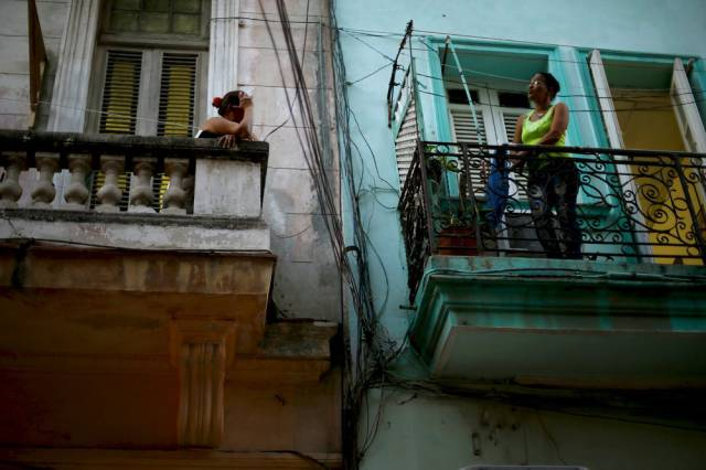 another_batch_of_photos_from_depicting_everyday_life_in_cuba_640_75