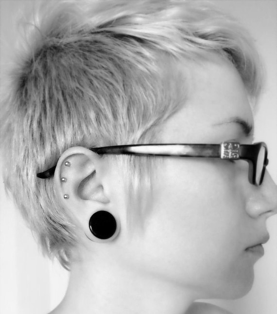 fake-ear-cartilage-piercing