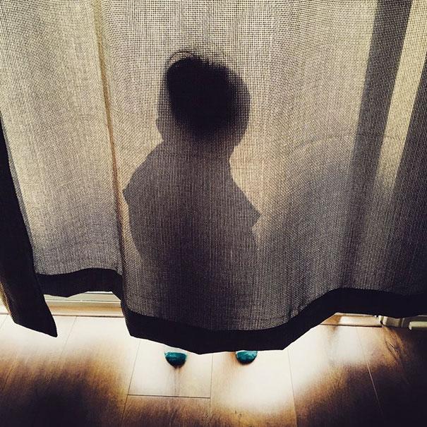 ninos-jugando-escondite-6