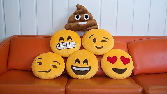 throwboy_emoji_pillows--575x323