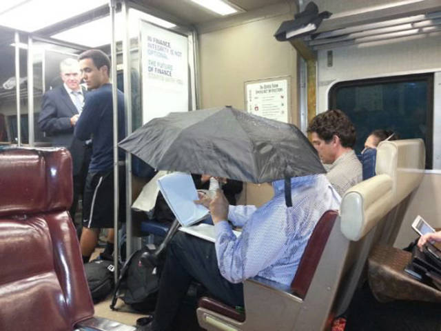 you_can_see_plenty_weirdness_while_commuting_640_24