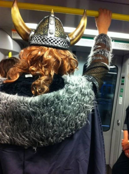 you_can_see_plenty_weirdness_while_commuting_640_36
