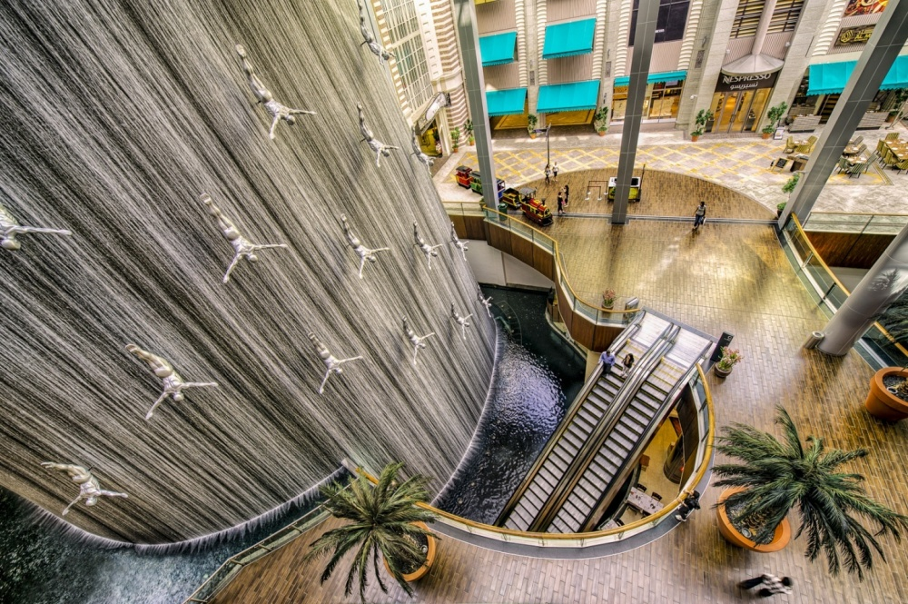 2435855-1000-1461709008-dubai-mall-waterfall-777231950