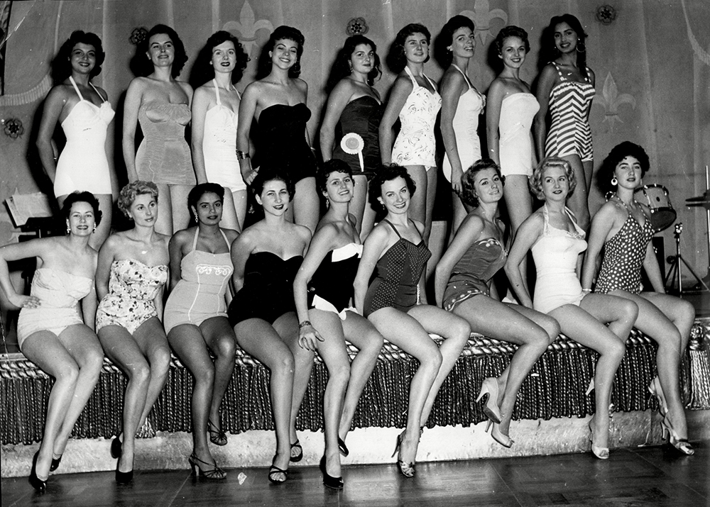 Sunday Dispatch Miss World Contest 1955 Contestants On Stage For Names See Versions.