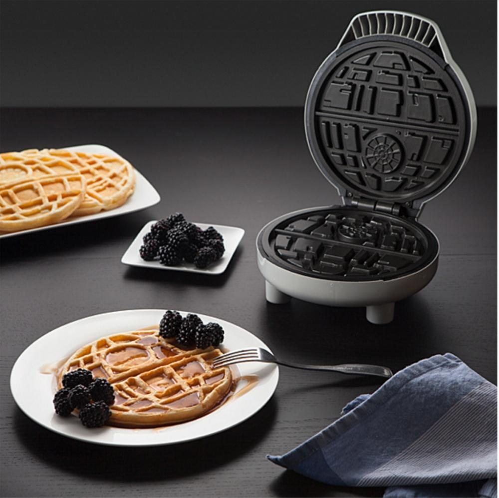 556155-1000-1449894822-waffle-maker-1024x1021