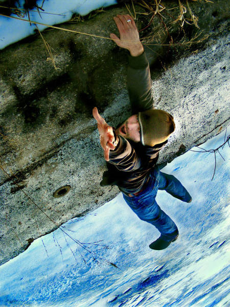 great_photos_are_made_thanks_to_forced_perspective_technique_640_08