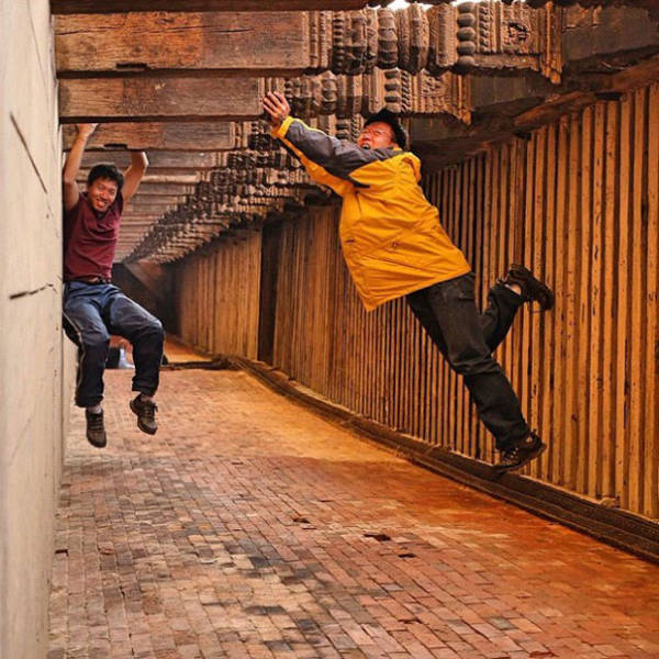 great_photos_are_made_thanks_to_forced_perspective_technique_640_19