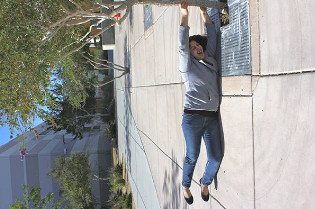 great_photos_are_made_thanks_to_forced_perspective_technique_640_20