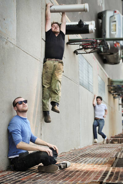 great_photos_are_made_thanks_to_forced_perspective_technique_640_28