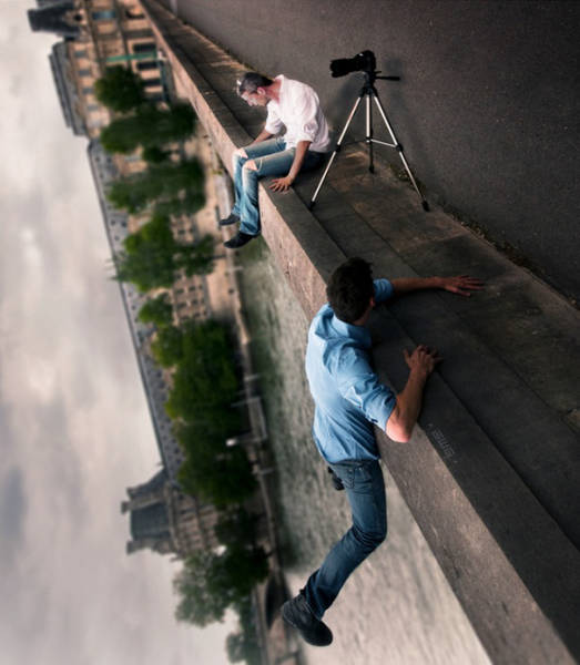 great_photos_are_made_thanks_to_forced_perspective_technique_640_41