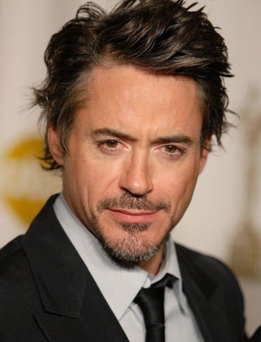 15-cosas-por-las-que-Robert-Downey-Jr-es-el-hombre-perfecto-7-533x700