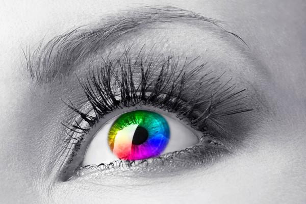 Nota-8148-mujeres_ven_mejor_los_colores