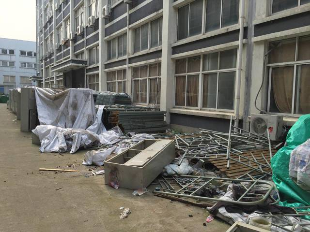 grim_dormitory_complex_where_chinese_workers_who_made_expensive_apple_products_lived_in_inhumane_conditions_640_14