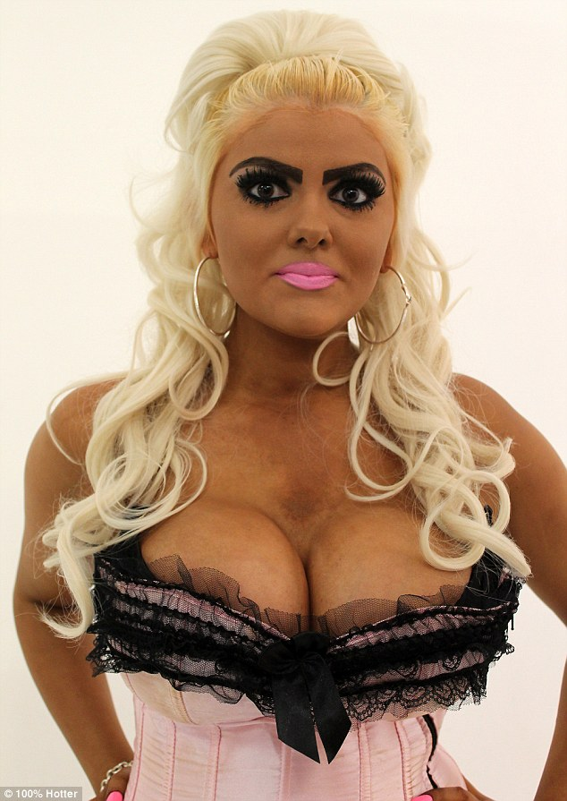 34FBAF2300000578-3627402-Jade_from_Bristol_said_she_wanted_to_look_like_Barbie_because_sh-m-11_1465239592986