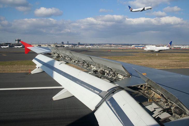 Secretos-detrás-de-cada-vuelo-que-ninguna-aerolínea-quiere-que-sepas-5-730x486