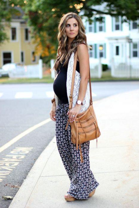 Outfits-para-lucir-tu-pancita-de-embarazada-11-467x700