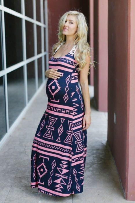 Outfits-para-lucir-tu-pancita-de-embarazada-13-467x700
