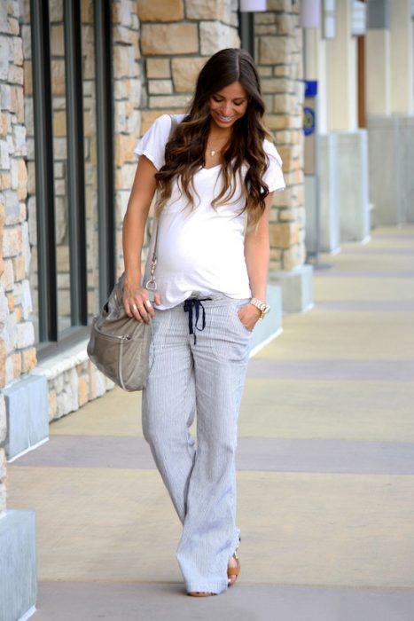 Outfits-para-lucir-tu-pancita-de-embarazada-19-467x700