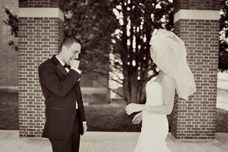 Reacciones-de-novios-al-ver-a-la-novia-caminar-hacia-el-altar-12-730x486