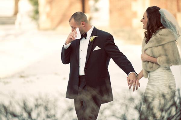 Reacciones-de-novios-al-ver-a-la-novia-caminar-hacia-el-altar-4