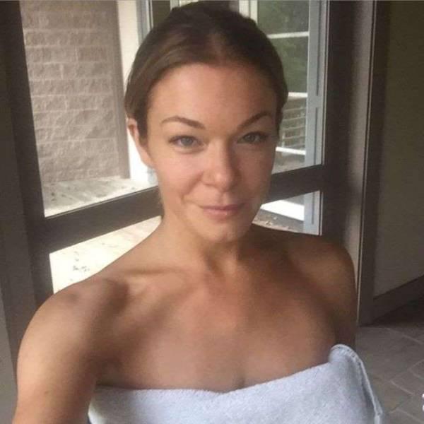 selfies_of_celebrities_with_no_makeup_640_09
