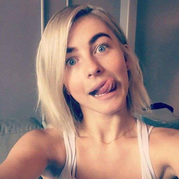 selfies_of_celebrities_with_no_makeup_640_34