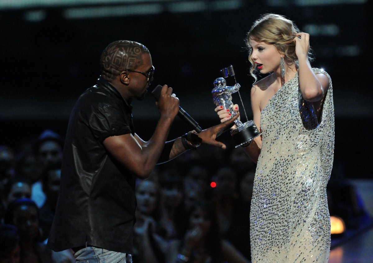 taylor-swift-vma-2009-kanye-west