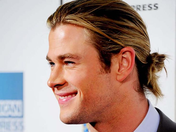 chris-hemsworth-bun-min-730x548