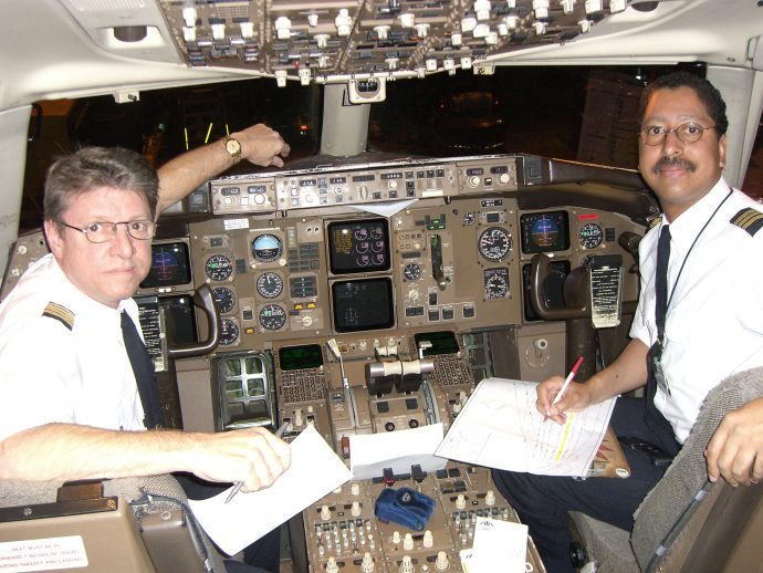 los-pilotos-y-los-asistentes-de-vuelo-revelan-11-secretos-que-no-sabias-sobre-volar_1469528999
