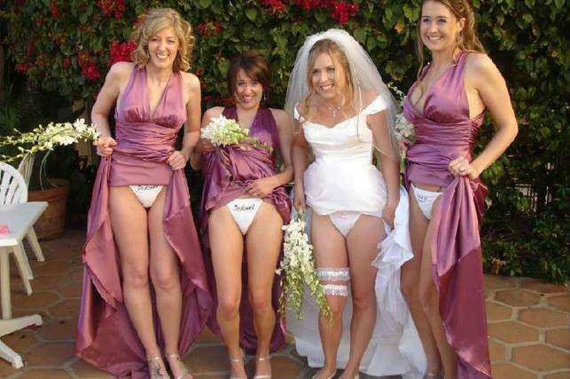 mooning-bridesmaids-7