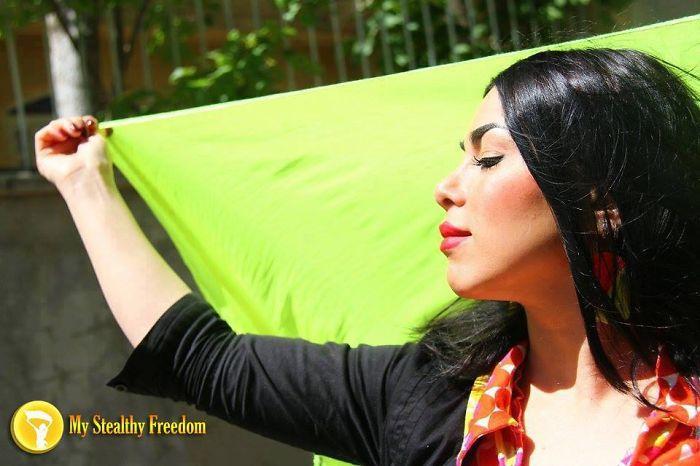 protesta-contra-velo-hijab-obligatorio-iran-masih-alinejad-11