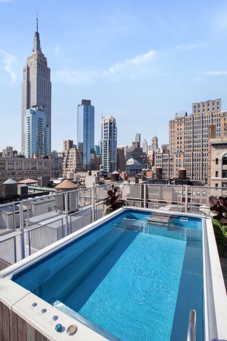 1473761277-syn-elm-1473363760-manhattan-penthouse-pool