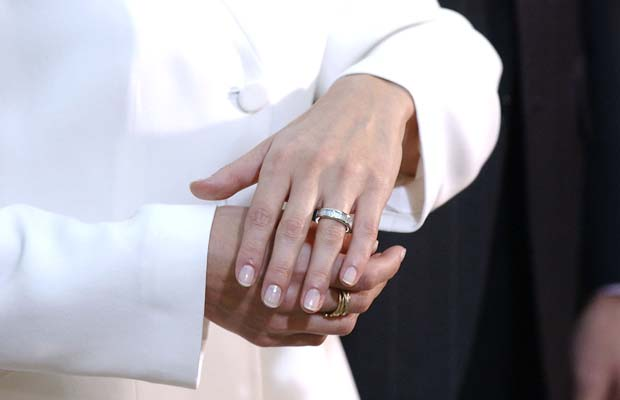 7-anillos-de-compromiso-de-la-realeza-por-los-que-moririamos-3