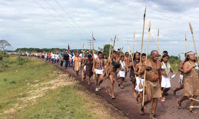Indigenas-amazonas-2