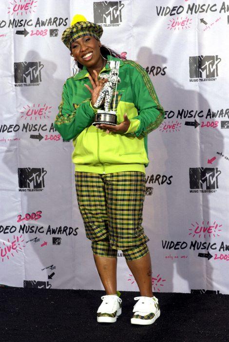 Los-atuendos-más-ridículos-en-la-historia-de-los-VMA-de-MTV-21-470x700