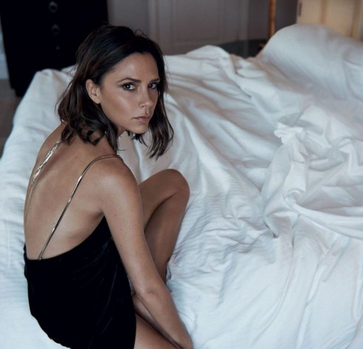 victoria-beckham-vogue-magazine-uk-october-2016-1-727x700