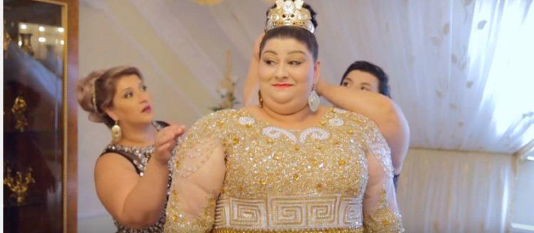 Vestidos de invitadas para bodas gitanas