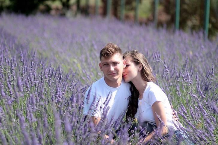 couple-1521410_960_720-2