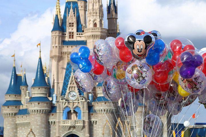 magic-world-disney-globos