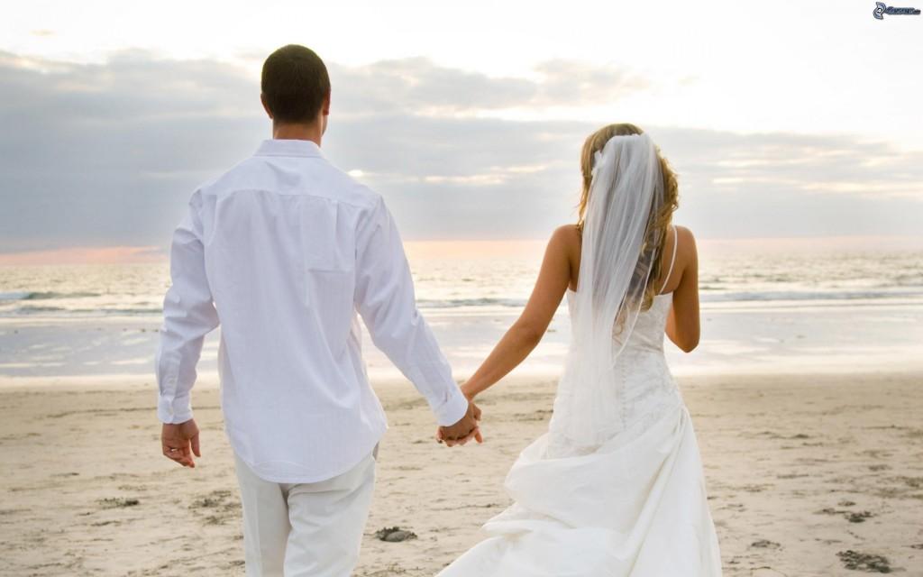 recien-casados-playa-de-arena-mar-169609
