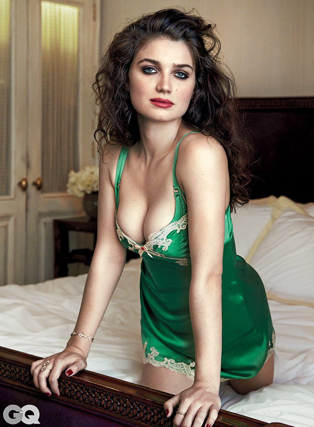 rs_634x862-151001111755-634-eve-hewson-gq-2-100115-1