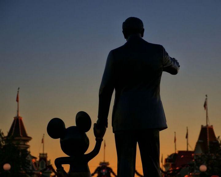 walt-disnet-y-mickey-mouse-magic-world