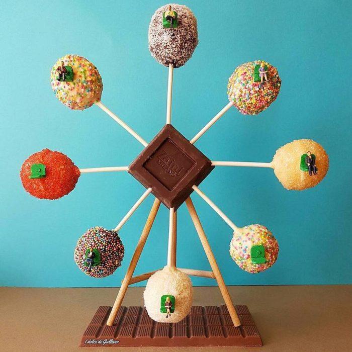 funny-miniature-scenes-with-desserts-3-900x900-700x700