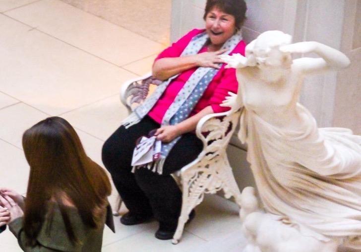propuesta-de-matrimonio-en-museo