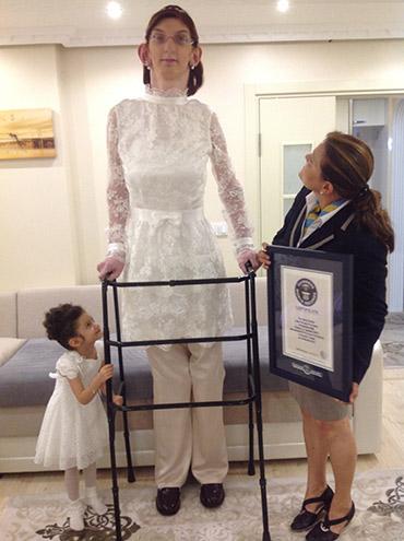 tallest-female-teen-in-the-world
